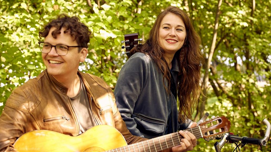 Leona_und_Simon_Acoustic_Duo